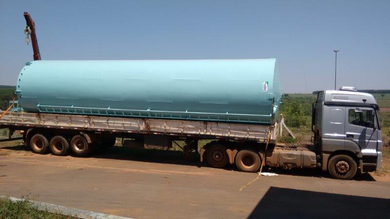 Caixa d'água e reservatórios metálicos