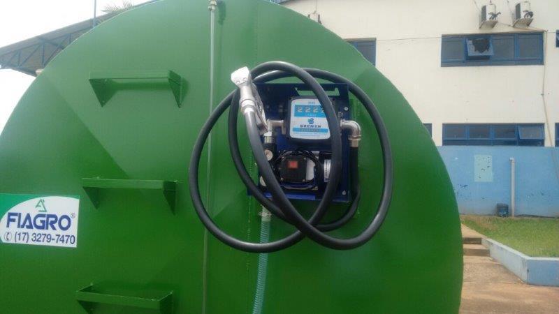 Carreta tanque combustível